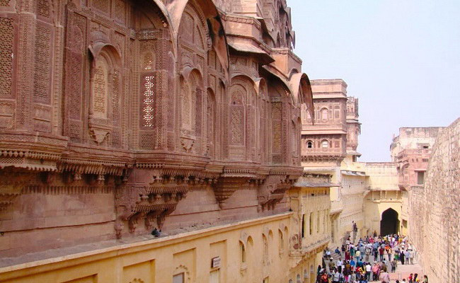 Xvlor.com Mehrangarh Fort is Rathore clan palace built by Rao Jodha in 1459