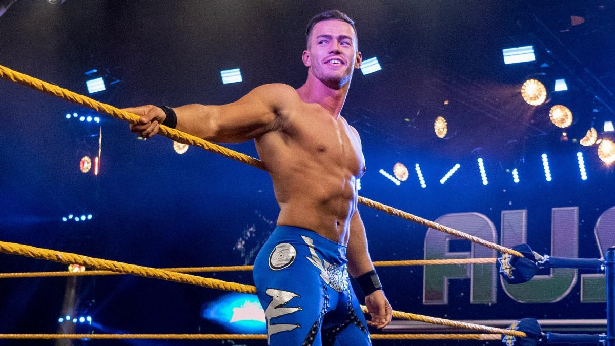 Austin Theory retorna ao NXT após ausência por motivos desconhecidos