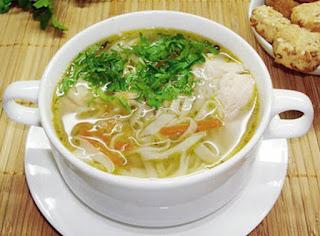 суп с домашней лапшой и курицей