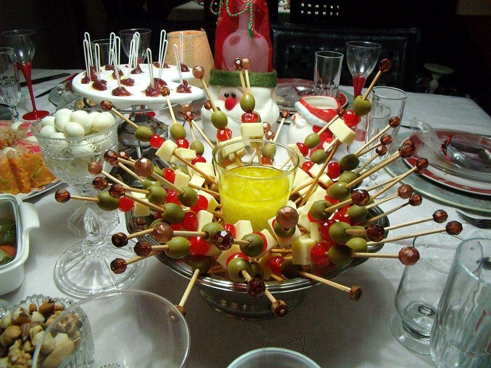 Resultado de imagem para mesa de frutas secas e conservas