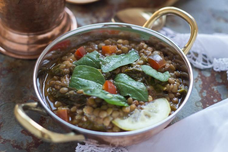 Curry de lentejas con espinacas