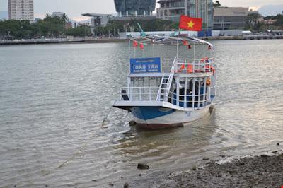 Chìm tàu trên sông hàn