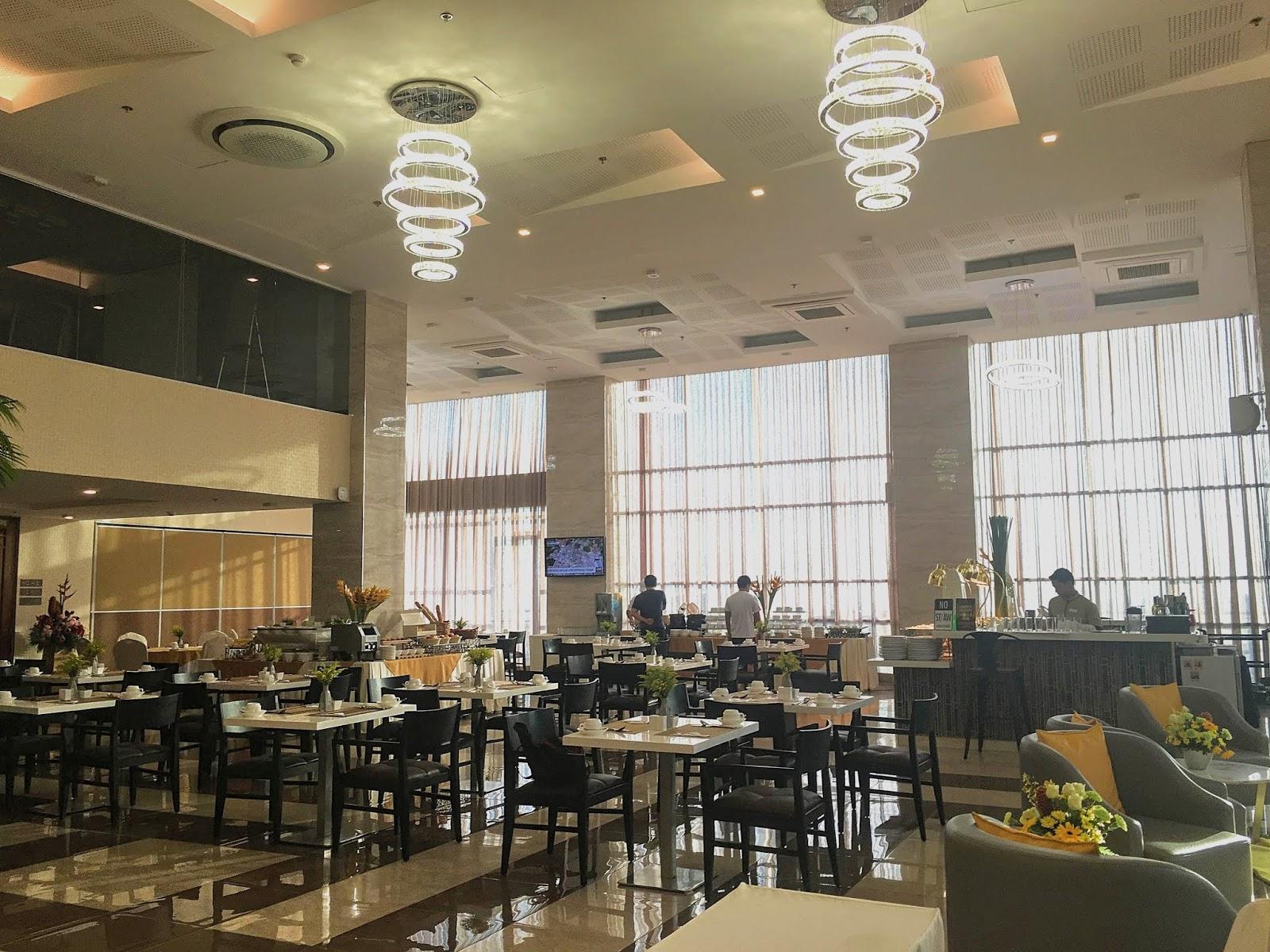cafe tartanilla one central hotel cebu