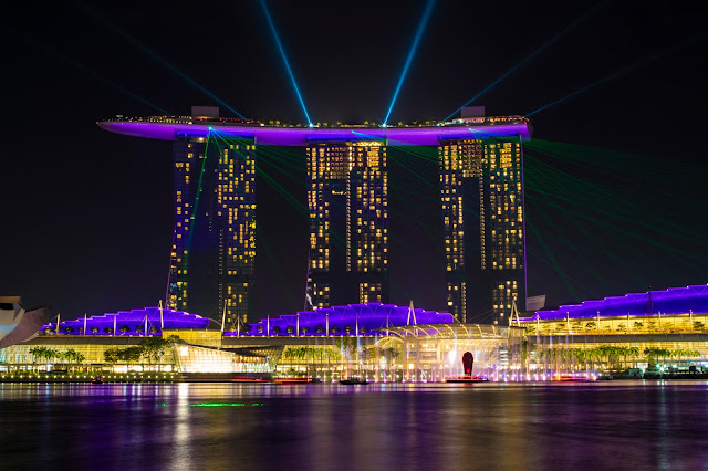 Marina Bay sands by night-Marina Bay-Singapore