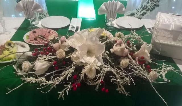 Флористическое оформление для банкетного стола