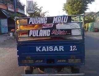 Gambar DP Bbm Tulisan Belakang truk pulang malu kangen