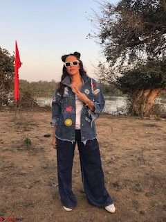 Neha Dhupia In seasame and Swarovski on the sets of roadies Rising (2) ~ .jpeg