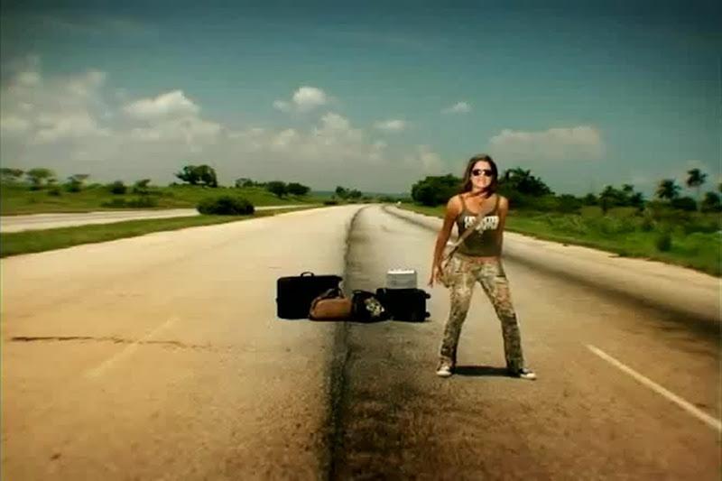 Celine - ¨No necesito de Ti¨ - Videoclip - Dirección: Joel Guilian. Portal Del Vídeo Clip Cubano - 08