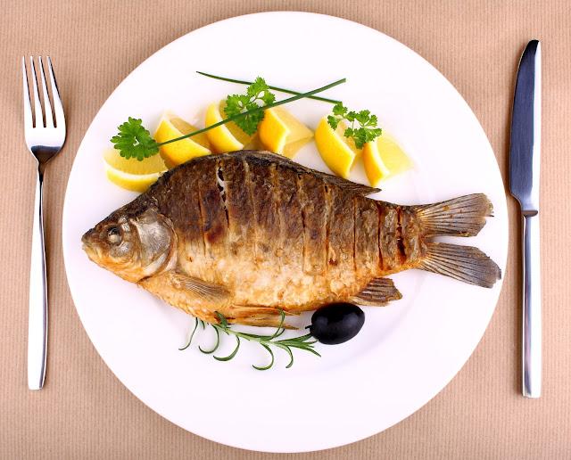 طريقة عمل صينية السمك بالبطاطس والكوسة مع كفتة السمك