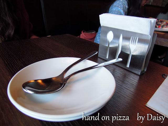 Hand on the Pizza, 手在披薩, 中正公園餐廳, 中正公園美食, 嘉義美食, 嘉義披薩, 棉花糖披薩