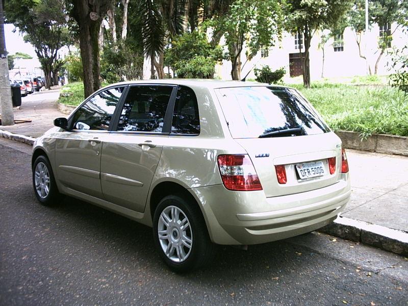 Fiat Stilo 2003  Phenom Veiculos