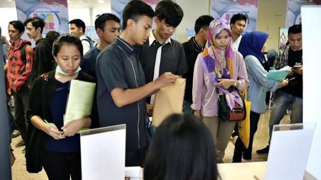 BPS Catat Ribuan Sarjana Menganggur