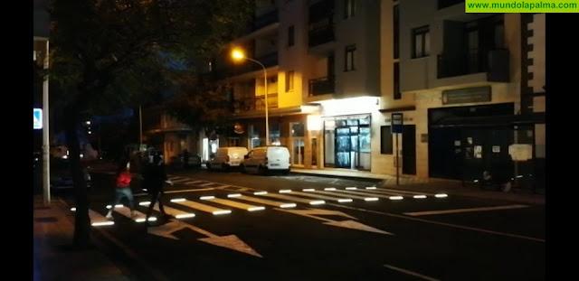El Ayuntamiento de Los Llanos instala el primer paso de peatones inteligente