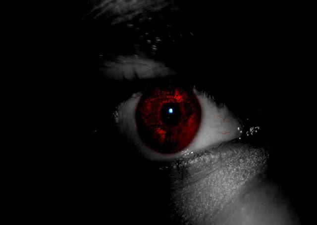 Resultado de imagem para olho terror