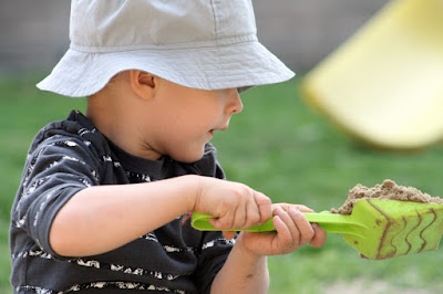 Creating a Montessori Garden Classroom {Montessori on a Budget} #Montessori #outdoors
