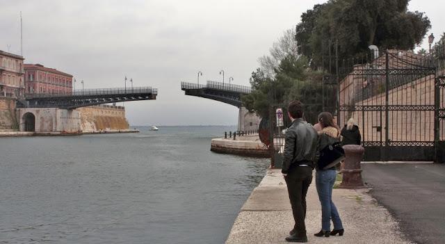 Ponte Girevole em Taranto