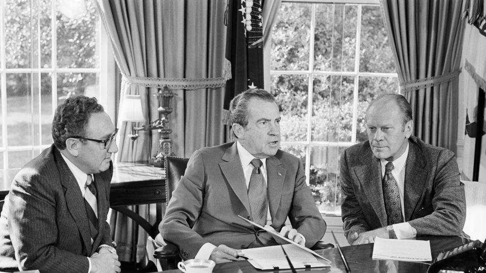 椰子樹下打盹的哲學家: 1970年代中情局總統簡報解密