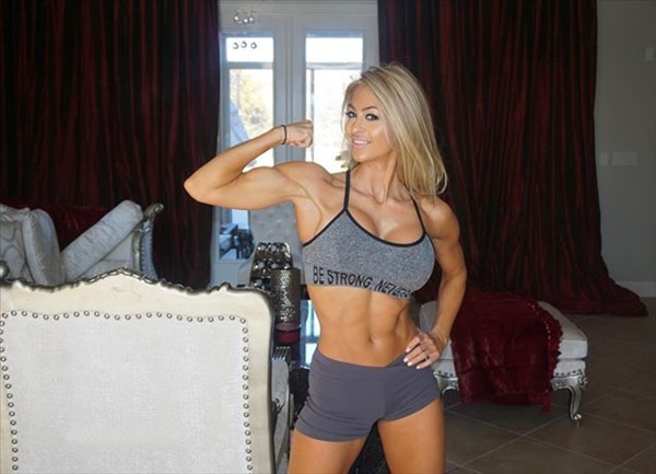 Fitness Model Laura Michelle Prestin @missprestin Instagram photos