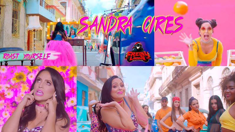 Sandra Cires - ¨Roast Yourself Challenge - Voz de pito¨ - Videoclip - Dirección: Freddy Loons. Portal del Vídeo Clip Cubano