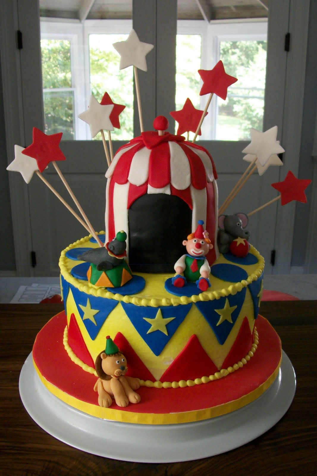 Bobbie S Cakes And Cookies Circus Cake And Cookies For A