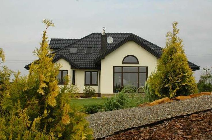 Elewacje Zuzzy: Grafitowe dachy ciemne okna cz.6