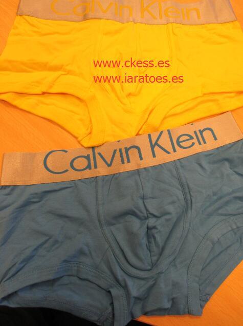 931d2aa7e Calzoncillos Calvin Klein Las etiquetas deben ser fuertes, hechas de papel  prensado o de buena calidad. Tiene que tiene delgada (pero no grasa!)