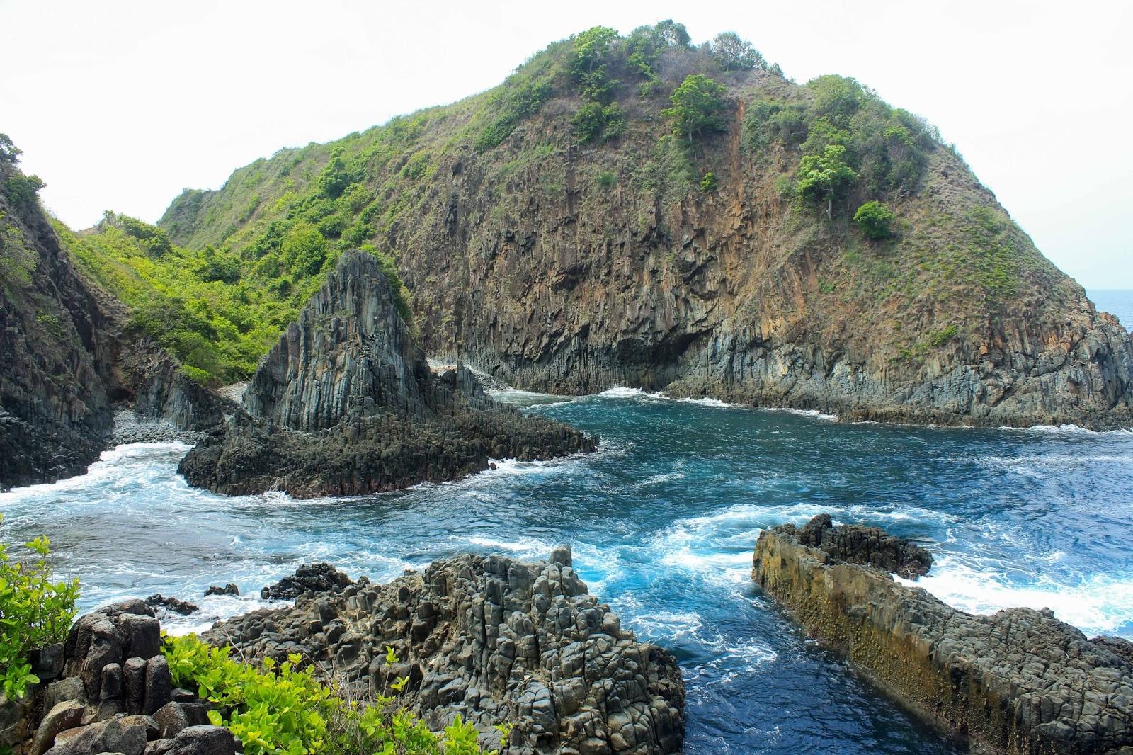 Pantai Semeti: Beautiful and Amazing Natural Aquarium in Lombok - WIKIFRESH