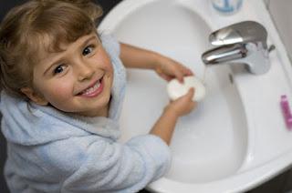 مزيج من مكونات طبيعية للتخلص من طفيليات البطن عند الاطفال