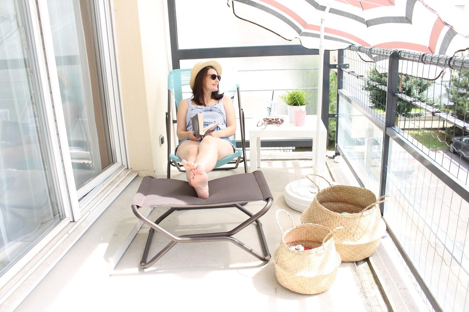 aprs vous avoir montr dans cet article l ma chaise longue maxi transat bleu arctic me revoil pour vous parler de son accessoire indispensable pour - Transat Balcon