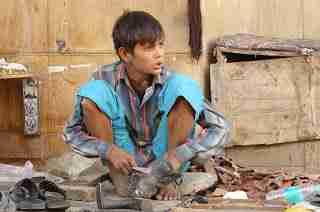 एक शिक्षाप्रद कहानी - मजबूरी की बूट पोलिश | Motivational Story In Hindi | Gyansagar ( ज्ञानसागर )