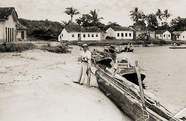 Foz do rio Reis Magos. Nova Almeida, Serra, ES, abril de 1950.