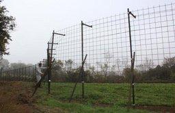 280mの巨大捕獲おり設置・鹿農作物被害防止へ