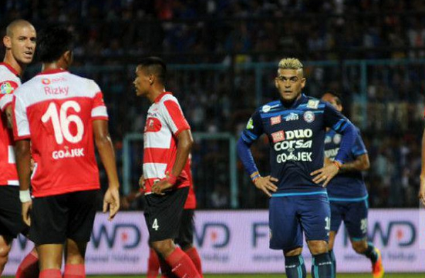 Dapat Nomor Punggung 20, Cristian Gonzales Segera Gabung Madura United