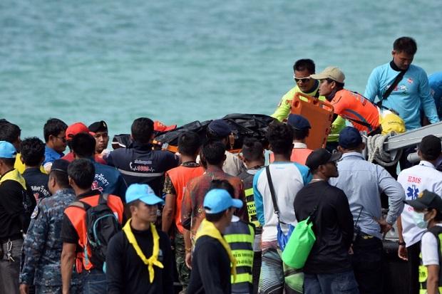 Kapal Pengangkut Turis China Tenggelam, 33 Tewas, 23 Lainnya Hilang