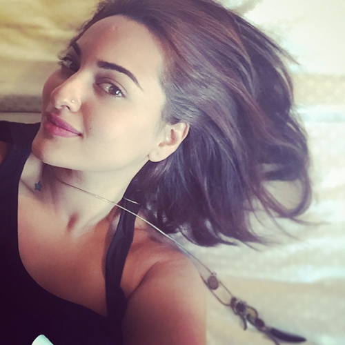 Sonakshi sinha Hot Lips Pics in 2016