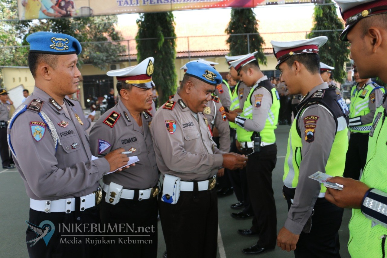 Seluruh Polisi di Kebumen Dirazia, Ada Apa?