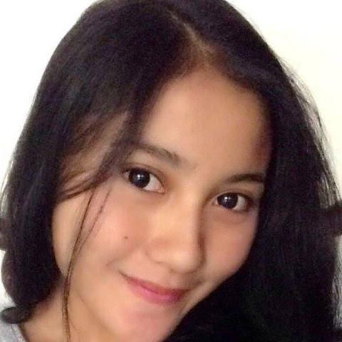 Silvia Seorang Perempuan Cantik Yang Terpilih Menjadi Salah Satu Wanita Tercantik Di Kota Bandung Dan Sekitarnya Pada Saat Ini