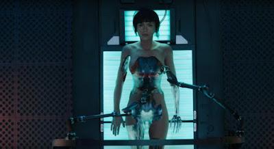 Cuerpo cyborg cerebro humano