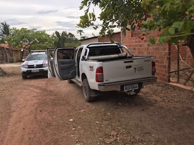 Hilux roubada em Barreirinhas é recuperada pela PM em Vargem Grande