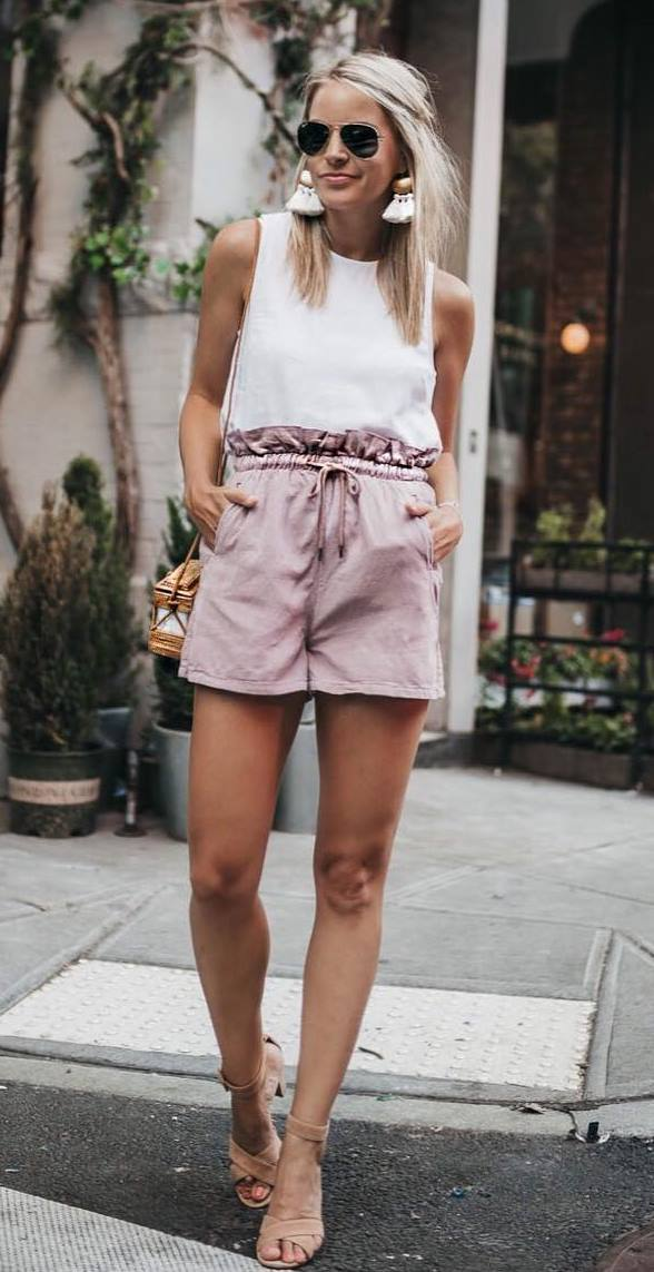 best summer outfit idea / bag + white top + blush high waist shorts + heels