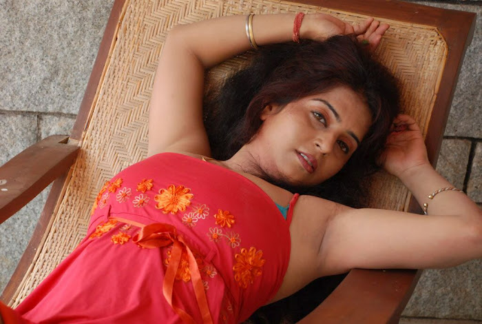 Actress Prachi Adhikari Spicy Stills In Uyir Ezhuthu Tamil