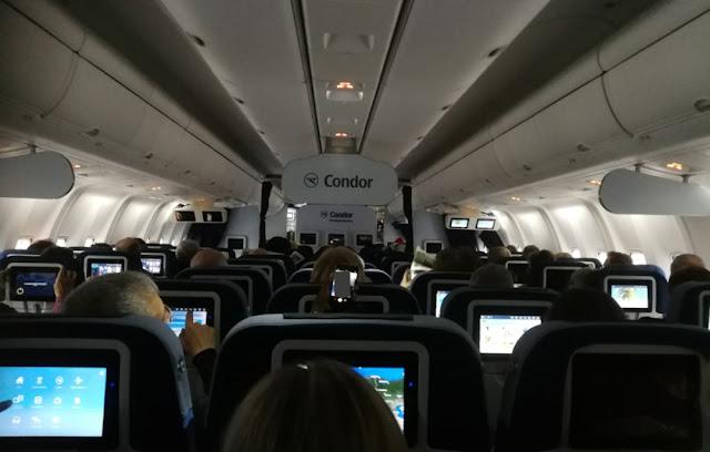 Flug Frankfurt - Havanna mit Condor - Boeing 767 innen