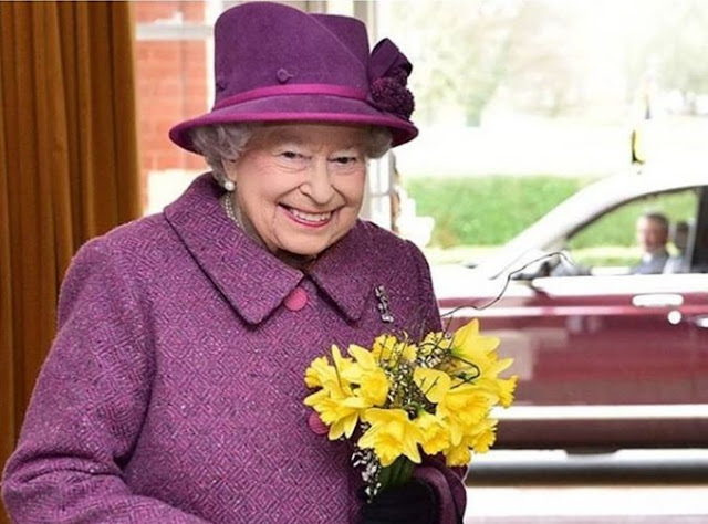 Queen Elizabeth II Posts On Instagram For The First Time