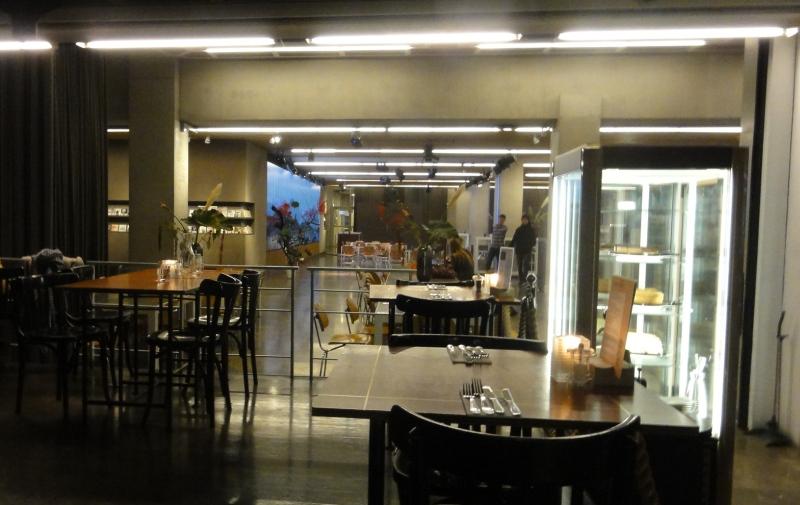 peek into Rotterdamse Schouwburg Café restaurant Floor Rotterdam