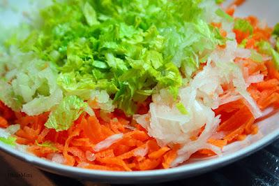 Przygotowane warzywa do sosu