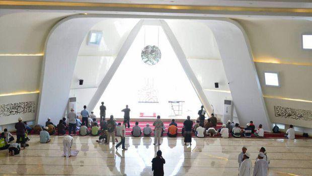Kritik Tanggapan Dosen Arsitek Itb Terkait Masjid Ridwan