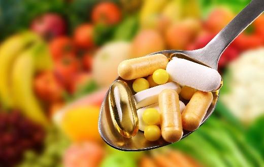Agar jantung tetap dalam kondisi sehat, mengkonsumsi vitamin berikut ini perlu untuk mencegah penyakit jantung menyerang.