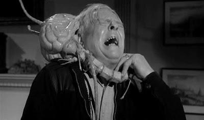 el ataque de un 'Vampiro del Cerebro' de la película 'Fiend without a face'