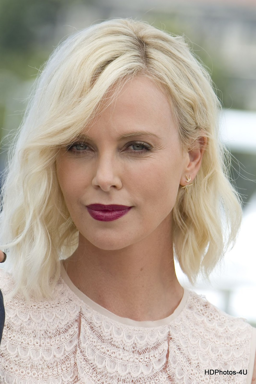 """Full HQ Hot Photos of Charlize Theron at """"The Last Face"""" Photocall during the 69th annual Cannes Film Festival"""