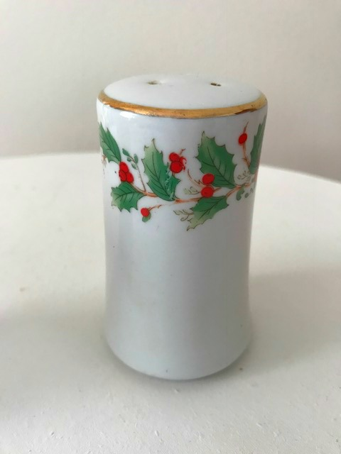 Noel by China Pearl 1991 Holly and Berries Salt and Pepper Shaker Set